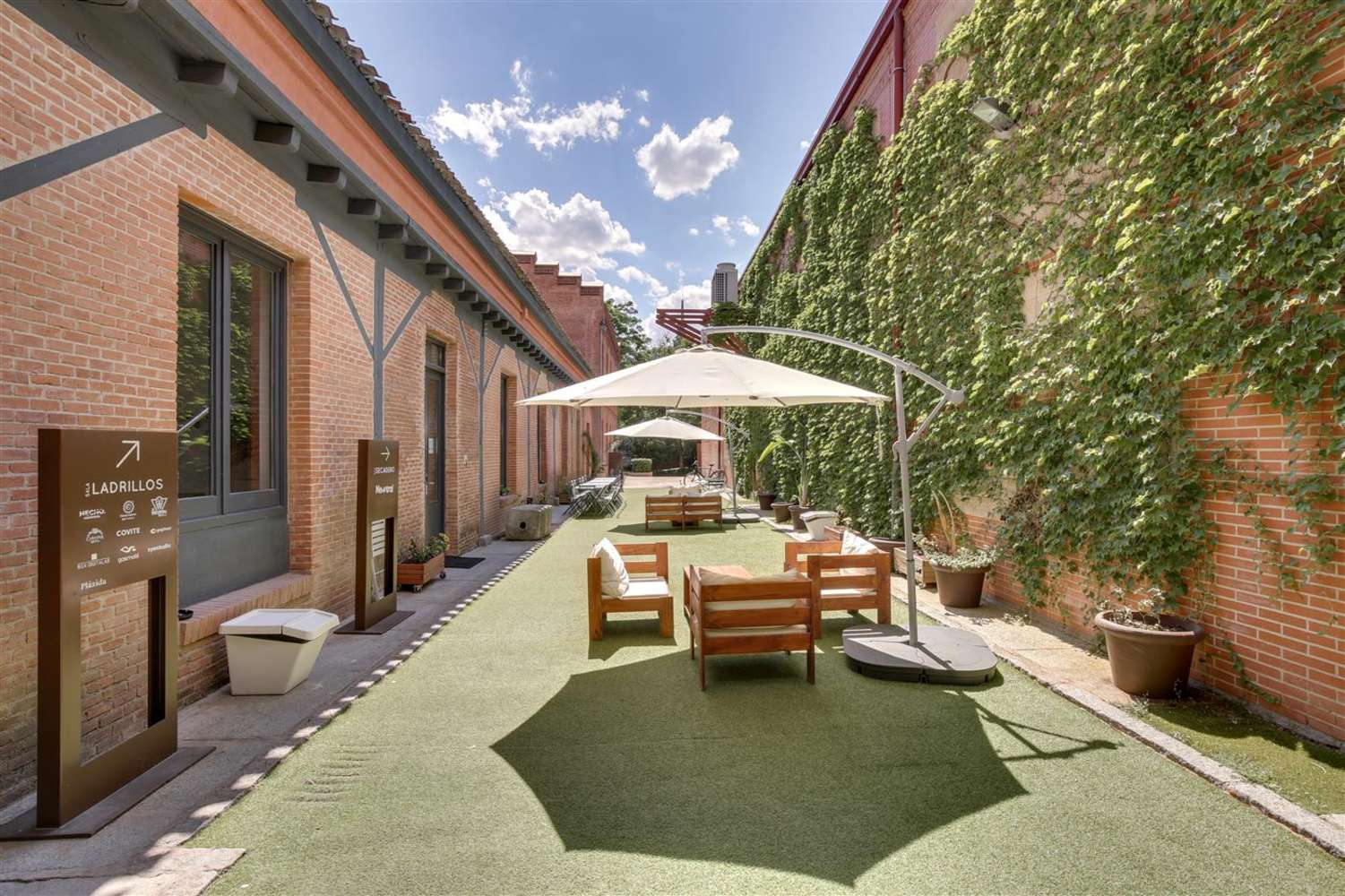 Oficina Madrid, 28014 - Coworking - LOOM TAPICES - 17829