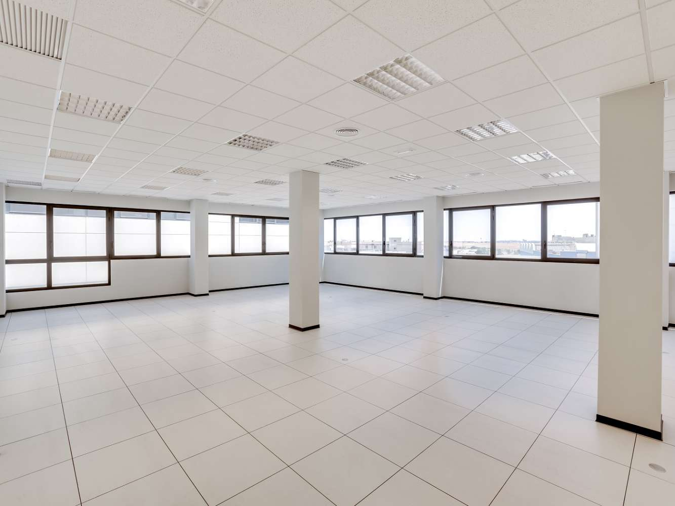 Oficina Madrid, 28031 - Edif 4 - 18373