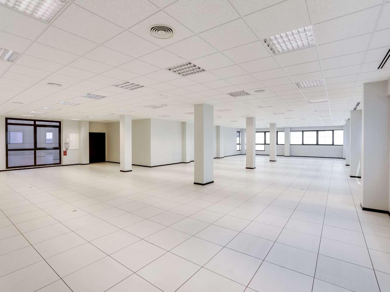 Oficina Madrid, 28031 - Edif 4 - 18381
