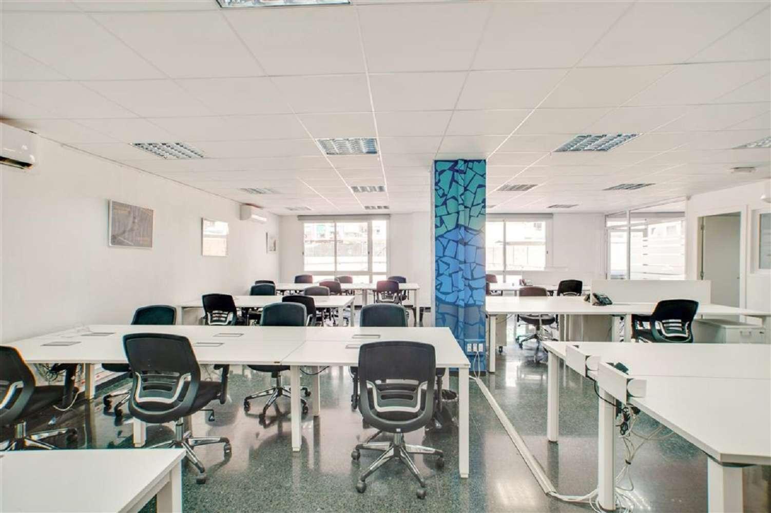 Oficina Barcelona, 08025 - PROVENÇA 385 - 18496