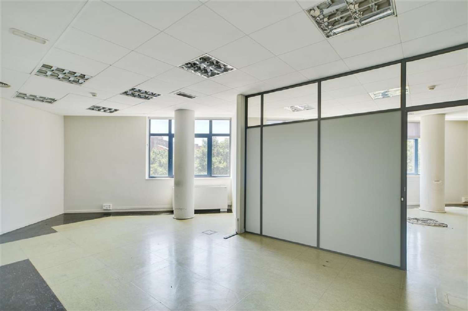 Oficina Barcelona, 08038 - PLURIUS - 19050
