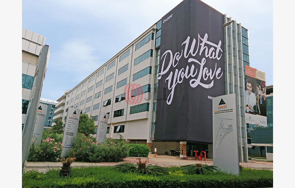 WeWork-(Embassy-Golflinks-Business-Park-Cinnabar-Hills)-Coworking-Space-for-Lease-IND-S-0004YQ-Embassy-Golflinks-Business-Park-Cinnabar-Hills_11089_20170916_001
