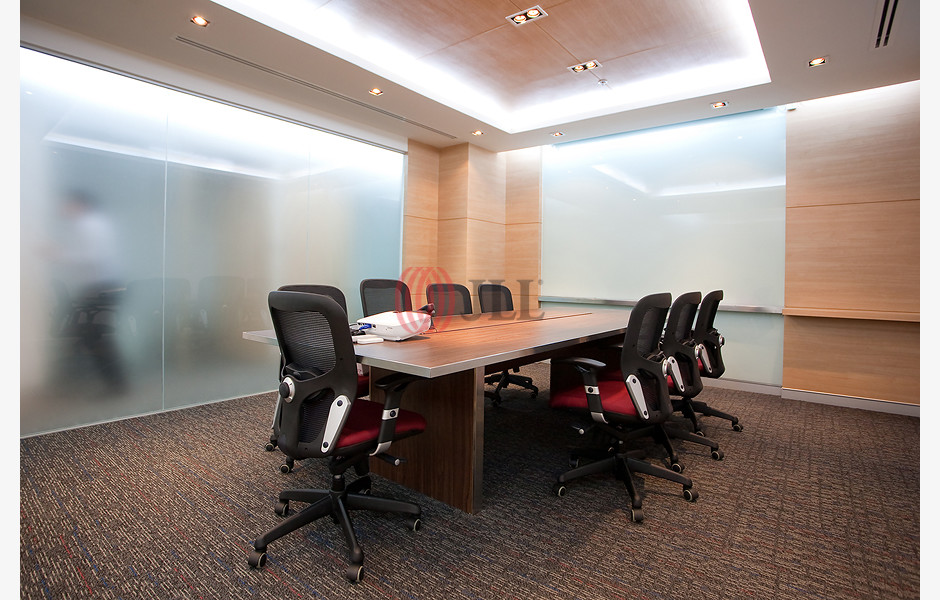 IW-Serviced-Office-Sathorn-Thani-Tower-I-Serviced-Office-for-Lease-THA-FLP-156-SEAOLM-FlexiSpace-PropertyID-156_IW_Serviced_Office-Sathorn_Thani_Tower_I_Building_1