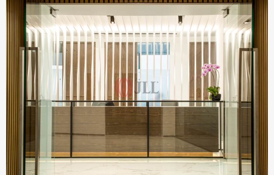 JustCo-@-AXA-Tower-Serviced-Office-for-Lease-SGD-FLP-181-SEAOLM-FlexiSpace-PropertyID-181_JustCo_AXA_Tower_Building_Unit_1