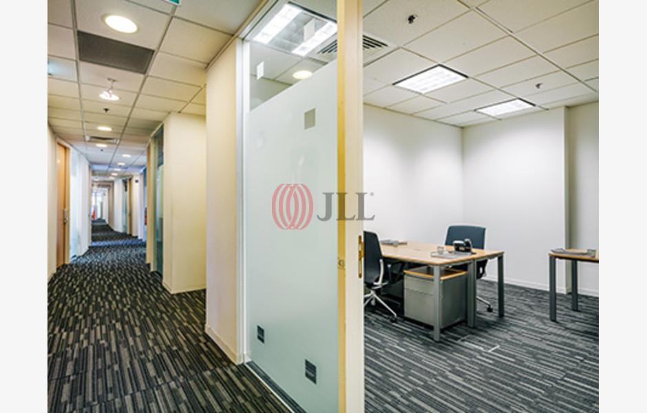 Regus-Centennial-Tower-Serviced-Office-for-Lease-SGD-FLP-204-SEAOLM-FlexiSpace-PropertyID-204_Regus-Centennial_Tower_Building_1