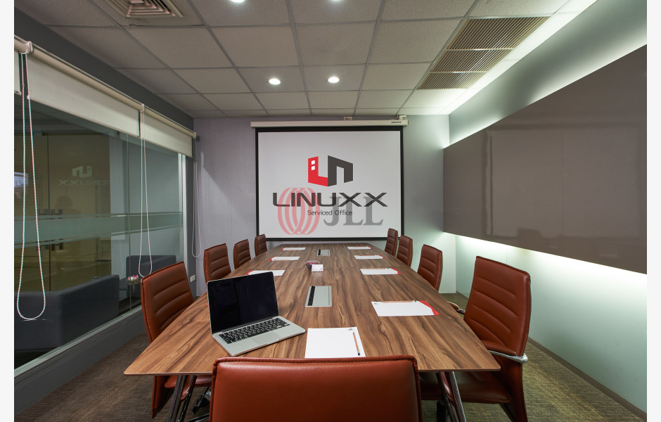 Linuxx-President-Tower-Serviced-Office-for-Lease-THA-FLP-41-SEAOLM-FlexiSpace-PropertyID-41_Linuxx-President_Tower_Building_1