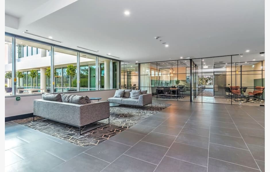 243-Northbourne-Avenue-Office-for-Lease-5507-b0883222-97c9-4a95-9aeb-aa432f54f687_image0