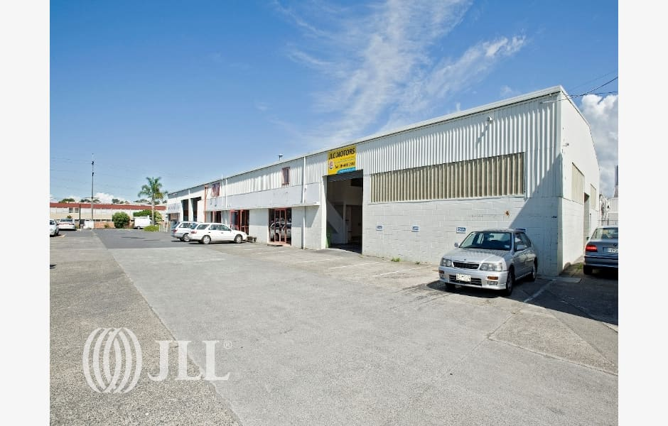 Unit-Title-Property-Office-for-Lease-7100-80fbf080-53bb-43cb-bb55-25bf8b67ca56_m
