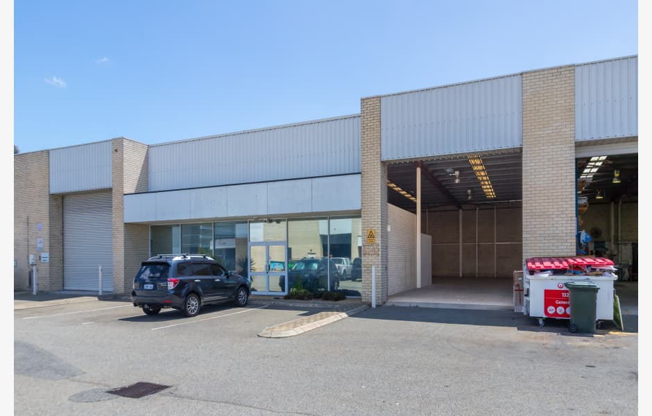 15-Walters-Drive-Unit-2-Lease-Office-for-Lease-6082-6a2eb670-4e3b-424a-b2d8-fd2aa2fbfa15_main