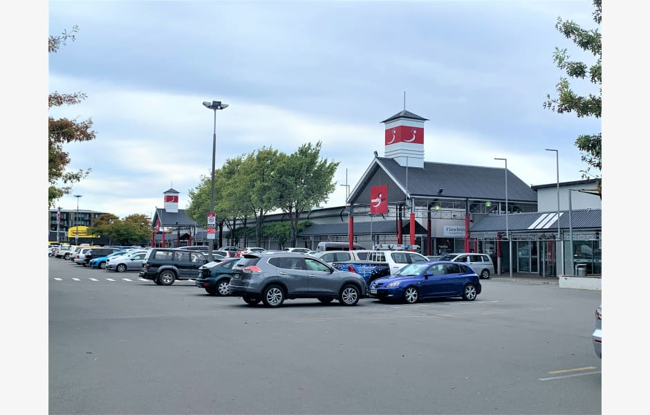 South-City-Shopping-Centre-Office-for-Lease-7386-36ff077c-a29c-4ed7-a598-09770e761140_m