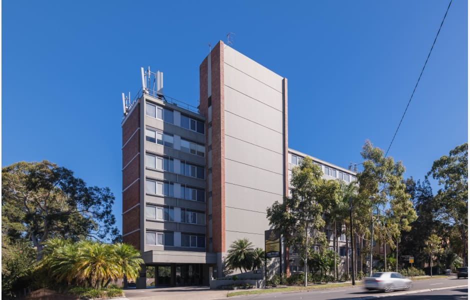Royal-Pacific-Hotel-Office-for-Sale-7425-33e62bc8-c57a-4848-886a-26ced4420aaf_EDMHERO