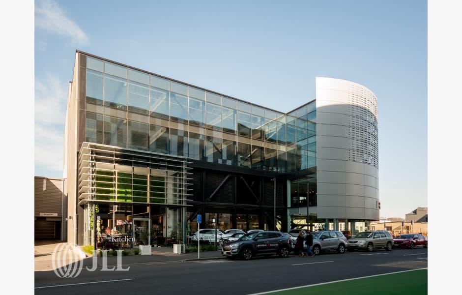 Porsche-Building-Office-for-Lease-7545-08ee1d14-83b4-4dcd-b54a-0ffb0bcba14d_m
