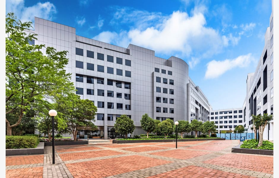 25-Constitution-Avenue-Office-for-Lease-7961-cb0a732e-deda-43ae-b51d-7555925b1e27_25ConstitutionAvenueCity-14