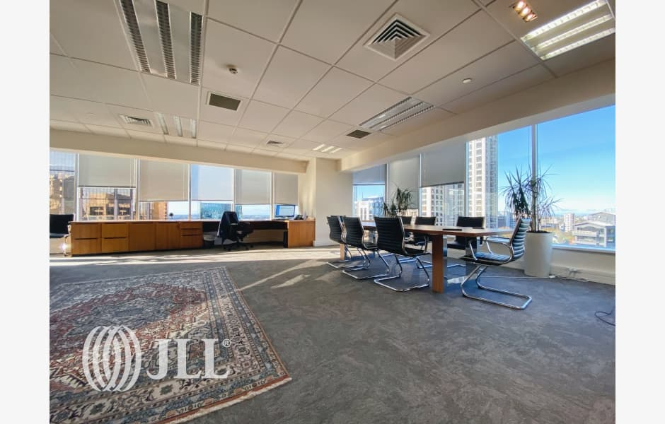 Crombie-Lockwood-Tower-Office-for-Lease-7975-63bde8be-e67a-420d-9624-71cd99383cb1_m