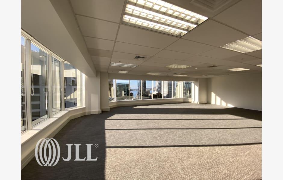 Crombie-Lockwood-Tower-Office-for-Lease-7974-eb8f8168-f8af-4f24-aa7b-3da93f0bb03c_m