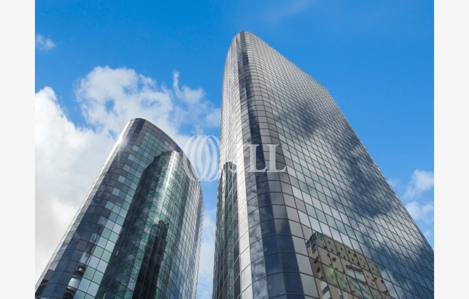 DLA-Piper-Tower-Office-for-Lease-8460-4875e79a-368e-4acd-8280-a589d9dbe4fe_m