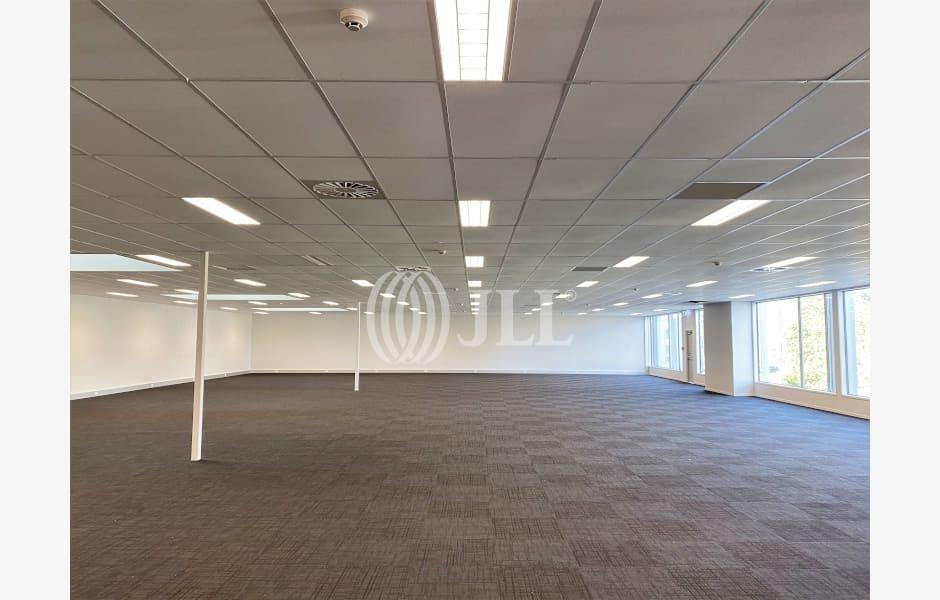 Manukau-Supa-Centre-Office-for-Lease-8522-043f2667-ecfb-4ae4-aa9c-0a198007a125_m