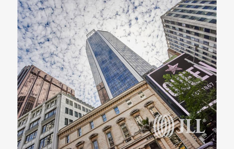 QBE-Centre-Office-for-Lease-8685-9bfb03a9-84a9-4b94-91f8-bd0cc5522fcc_m