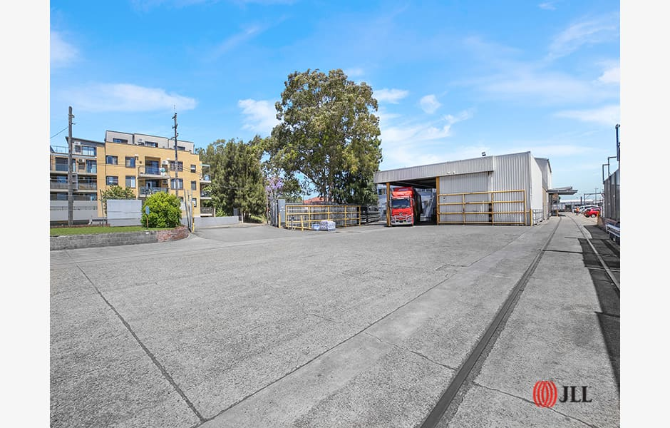 1-The-Crescent-Office-for-Lease-9072-21984ee4-3314-4e20-a1ed-322f80682aff_12_WR_REMAustralia_12