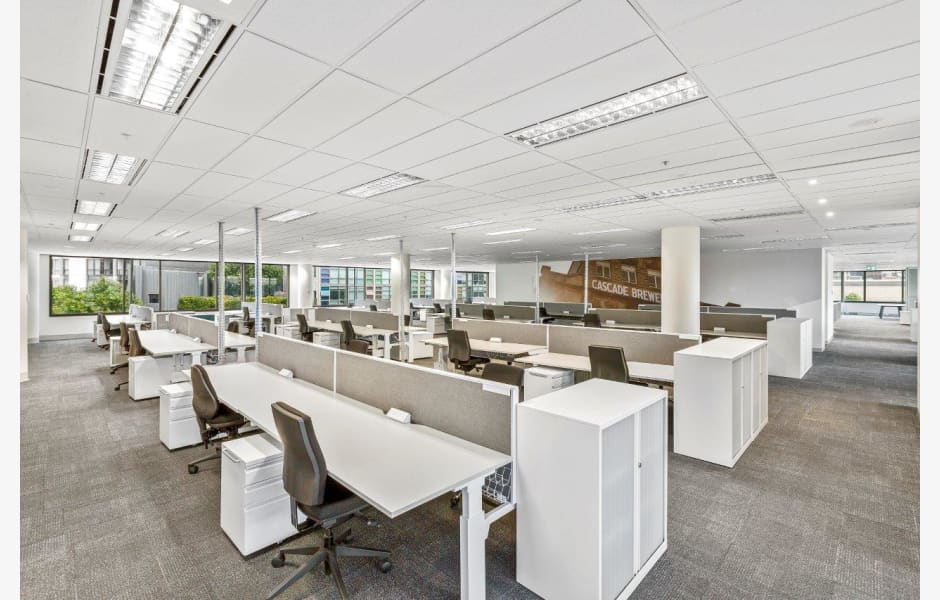 77-Southbank-Boulevard-Office-for-Lease-9316-068ceb3b-902a-47f9-86ab-400f314166f7_C