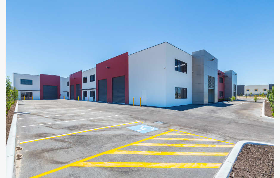 4-6-Radius-Loop-Office-for-Sale-or-Lease-8867-987001f7-d23b-4a96-9614-e2d29ca5fde8_Main