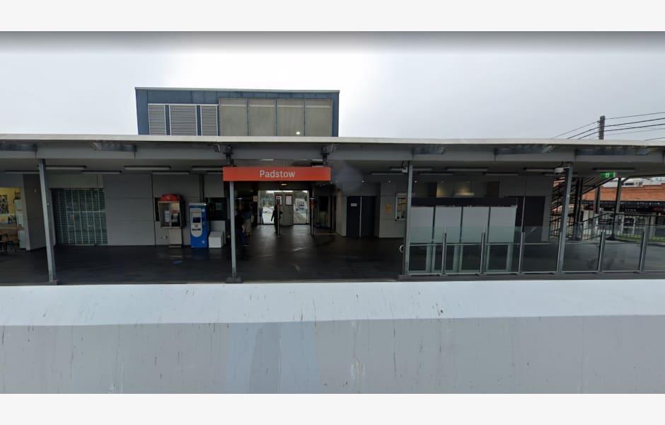 Shop-1,-Padstow-Railway-Station-Office-for-Lease-6446-1c0dcd02-6643-411d-886a-8e3d6156555b_PadstowMain