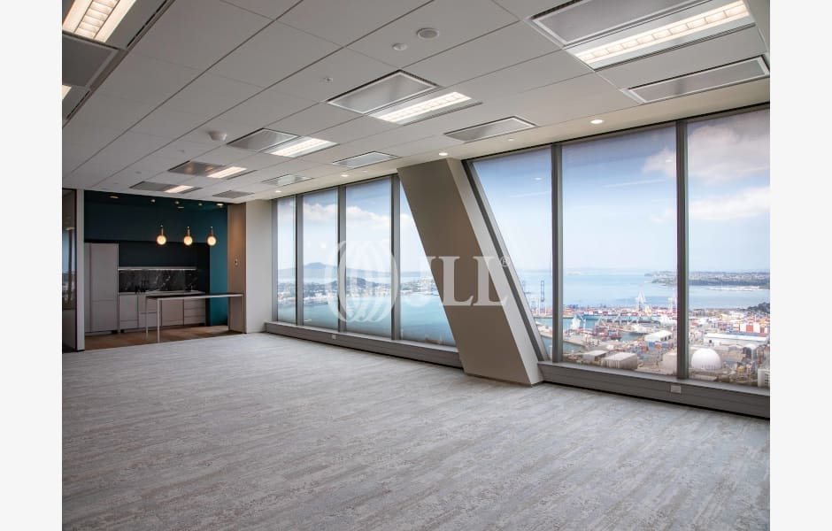Commercial-Bay-Office-for-Lease-6849-bc8c168f-a031-4e68-80a0-452ab9e4cd74_m