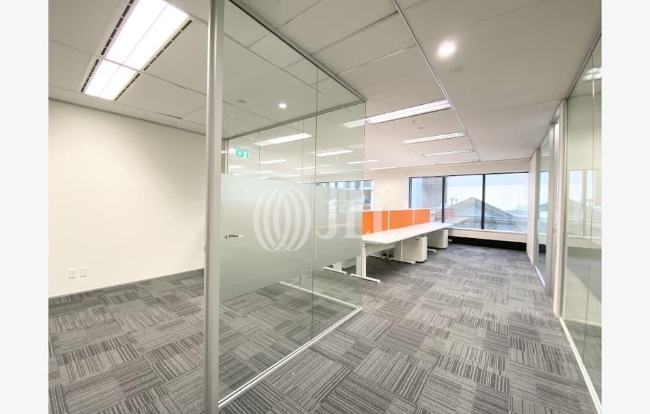 DLA-Piper-Tower-Office-for-Lease-7190-f4e73c11-006c-4217-b33d-496b3d525efe_m