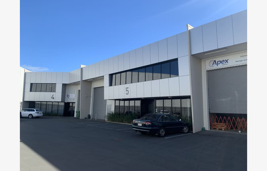 Unit-5,-17-Airpark-Drive-Office-for-Lease-10181-7a679514-76b9-4e6f-800d-038f86343af1_IMG_5295