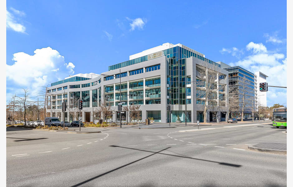 2-Constitution-Avenue-Office-for-Lease-2097-078ce2b2-95c9-4511-acbe-44a2e8ee1b94_City2ConstitutionAve_01_web