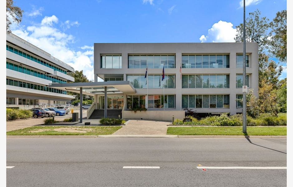 2-4-Brisbane-Avenue-Office-for-Lease-100254-58b7bce2-ae89-4cf6-9d5e-295513272d0d_Barton2-4BrisbaneAve_01_web