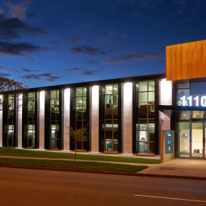 1110-Kingsford-Smith-Drive-Office-for-Sale-6847-ea756439-f281-4af9-8481-ffd7a4a8ca9d_m