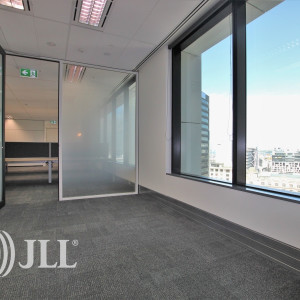 PwC-Tower-Office-for-Lease-7118-b262ee58-17d1-4a07-8dd3-41ccc78b3f30_m