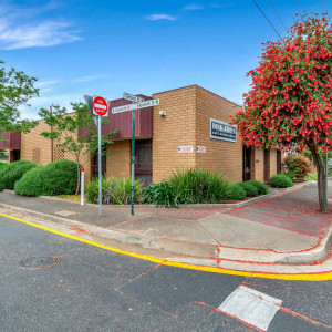 106-108-Gibson-Street-Office-for-Sold-9019-h