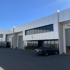 Unit-5,-17-Airpark-Drive-Office-for-Lease-10181-h