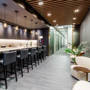 Compass Offices - Cheung Kong Center