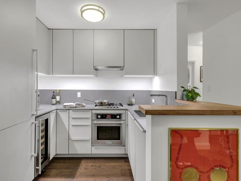 100-Bank-Street-Apartment-for-Sale-IRP_N_102_00317-slhfcjiqcn64cbv9yqkc